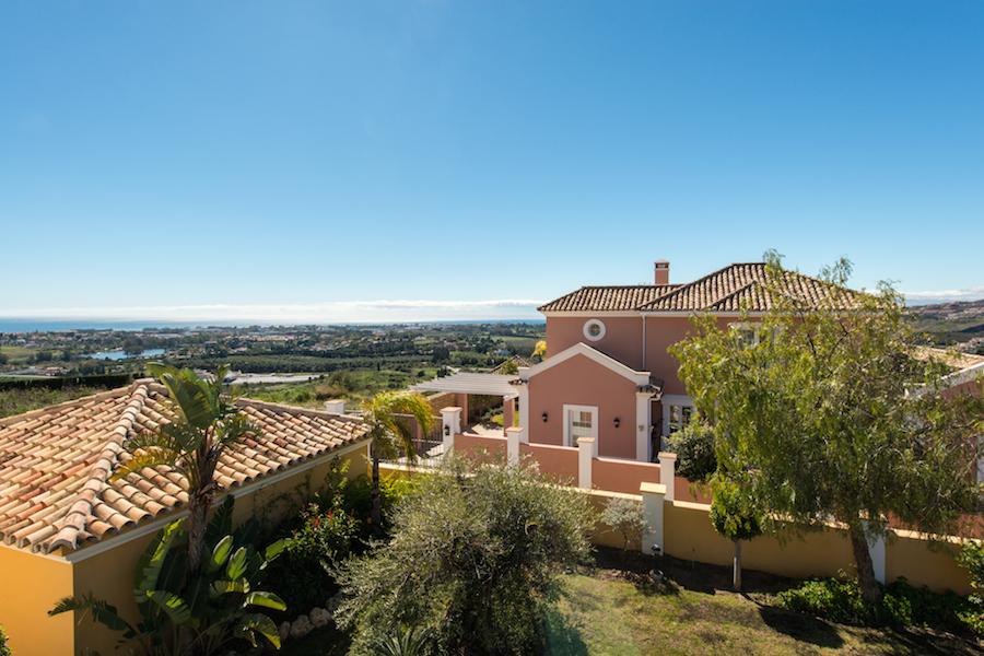 Почему купить недвижимость в испании